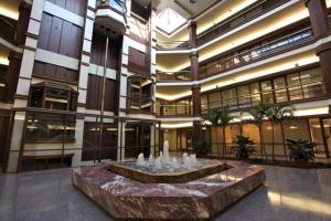 800 Fairway-Lobby Renovation